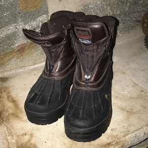 Totes snow boots. Great shape.  Men's Size 8.